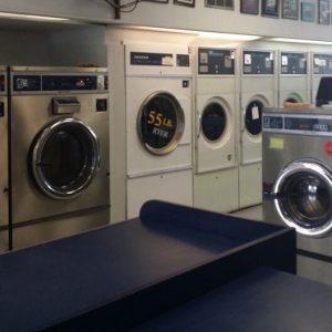 Giá máy giặt sấy Speed Queen cho tiệm giặt là